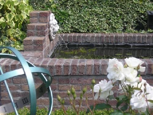 Nieuwe vijver maken help tuinforum for Vierkante vijver maken