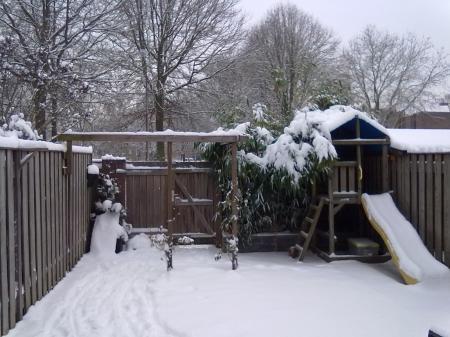 Ideeen Kleine Tuin : Kleine tuin voorbeelden tuintuin