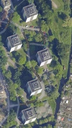 beplanting rondom 5 flats