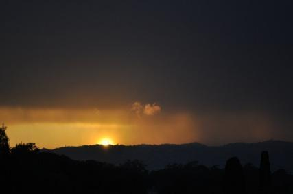 zons ondergang in zuid frankrijk een maan geleden.