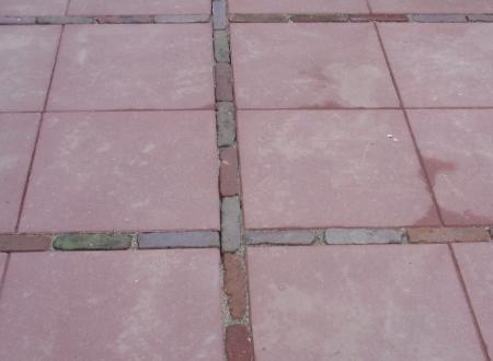 betontegels voegen met brekerzand?